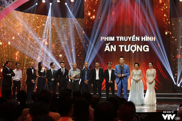 Blockbuster TV serial Người Phán Xử (The Arbitrator) was crowned yesterday at the VTV Awards 2017 held in the capital city.