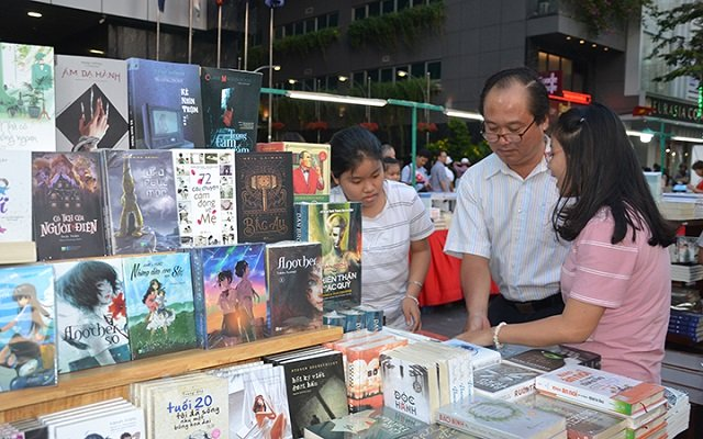 Thousands of books offered at the HCM City's Book Street Festival 2019. (Photo: NDO)