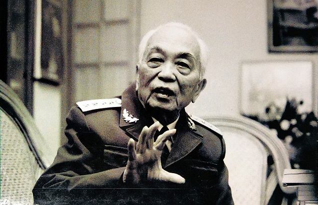 General Vo Nguyen Giap in 2004. (Photo: Nguyen Dinh Toan)