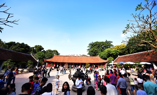 Thousands of people visited the Temple of Literature in the first two days of the Lunar New Year.