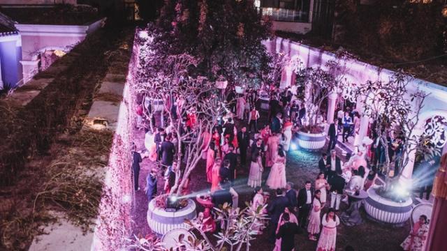 The first party in the Rushang - Kaabia billionaire wedding party series takes place at the 5-star Phu Quoc resort, which has the effect of Gatsby.