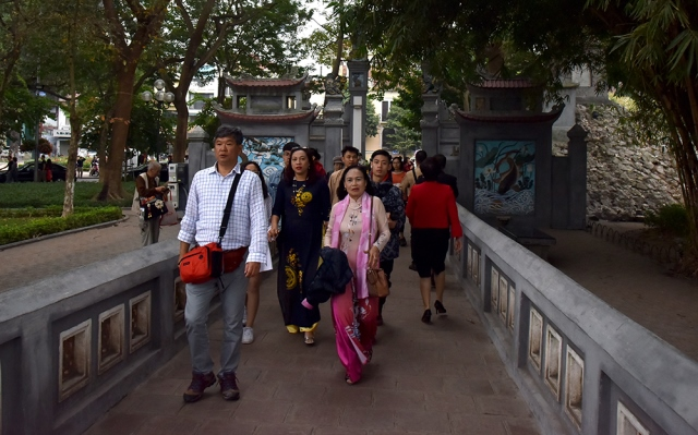 Tourists from all over the country gather to visit Ngoc Son Temple.
