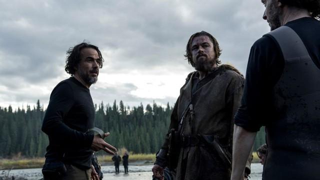 Leonardo DiCaprio (center) and director Alejandro González Iñárritu(left)