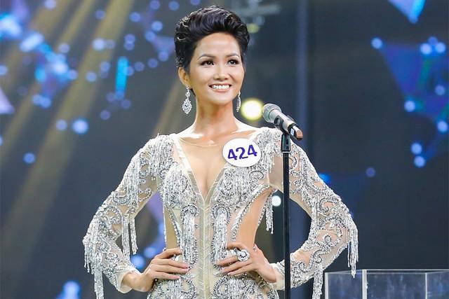 Vietnamese representative heads top 10 Timeless Beauty