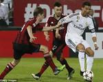 Ronaldo nổ súng, Real Madrid vẫn thảm bại trước AC Milan