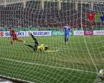 Minh Tuấn dứt điểm gọn gàng nâng tỉ số lên 2-0 trước Philippines