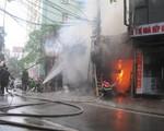 Cháy lớn thiêu rụi xưởng gỗtại Đê La Thành
