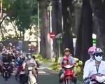 Phí đường bộ: Không thu sẽ phải bù tiền ngân sách