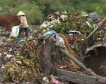 Kinh hoàng nước thải từ bãi rác chảy thẳng ra nguồn cấp nước cho Thủ đô