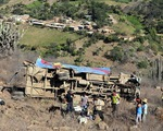 Toàn cảnh vụ xe tải lao xuống vực sâu tại Sapa