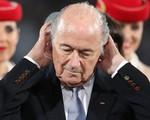 Sepp Blatter chối bỏ trách nhiệm trong vụ bê bối của FIFA