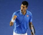 """Djokovic khuất phục """"máy giao bóng"""" Raonic"""