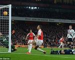 Hòa kịch tính Tottenham, Arsenal lỡ cơ hội giành ngôi đầu