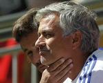 Mourinho mỉa mai Arsenal chơi đổ bê tông