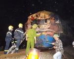 Cận cảnh vụ tai nạn đường sắt nghiêm trọng trong đêm