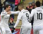 Ronaldo lập cú đúp, Real Madrid củng cố ngôi đầu La Liga