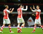 """Arsenal 2-1 Leicester City: Thắng sát nút, Pháo thủ """"bắn"""" Man Utd khỏi Top 4"""