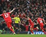 Liverpool 2-1 Man City: Siêu phẩm của Coutinho định đoạt trận đấu