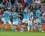 Yaya Toure đóng vai người hùng, Man City đại thắng trận mở màn