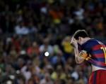 Barcelona đại thắng song Messi lại đá hỏng phạt đền