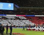 Sân Wembley ngập tràn sắc cờ Pháp trong lễ tưởng niệm vụ khủng bố Paris