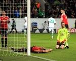 Thua ngược Wolfsburg, Man Utd cay đắng dừng bước ở vòng bảng