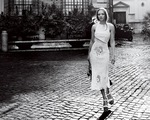 Amanda Seyfried rạng ngời qua ống kính của Mario Testino