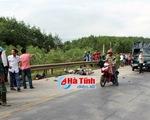Va chạm giữa ô tô và xe máy ở Hà Tĩnh khiến 2 người tử vong tại chỗ