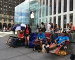Người dùng dựng lều chờ đón siêu phẩm iPhone 6S của Apple