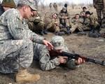 Mỹ bắt đầu huấn luyện binh sĩ Syria chống IS