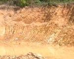 Quảng Trị: Khai thác trái phép đất cát trong hành lang lưới điện cao thế