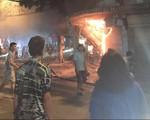 Nhà tầng cháy trụi tại phố Hàng Mã, Hà Nội