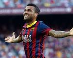 Man Utd: Chấm Daniel Alves, cân nhắc Falcao và chờ Hummels