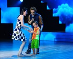 Bước nhảy hoàn vũ nhí 2015: Thủy Tiên dùng xôi dụ bé Bờm về đội