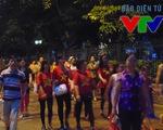 Hàng nghìn người dân náo nức đi xem diễu binh, diễu hành từ 5h sáng