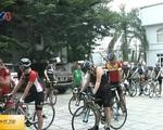 Nhiều cua-rơ nắm kỷ lục thế giới tham gia Hành trình đạp xe vì trẻ thơ