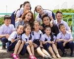 Minh Hằng - Phan Hiển diễn cảm xúc cùng học trò trong MV Đứa bé