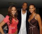 Rộ tin đồn Beyonce từng ly thân do Jay-Z ngoại tình với Rihanna