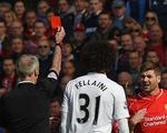 Cận cảnh tình huống Gerrard nhận thẻ đỏ chỉ sau... 38 giây vào sân