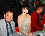 Jessica Minh Anh lộng lẫy trong chiếc váy 15kg