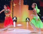 Bước nhảy hoàn vũ nhí 2015: Cô dâu 8 tuổi được tái hiện trên sân khấu