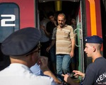 Hungary đóng cửa ga đường sắt ở Budapest để ngăn người di cư