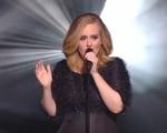 Adele thổi tung Internet bằng bản live Hello cực đỉnh