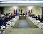 EU tiếp tục hoãn trừng phạt Iran