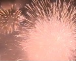 Màn pháo hoa dưới mưa: Kỷ niệm khó phai trong ngày Quốc khánh 2015