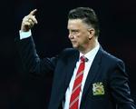 HLV Van Gaal bảo vệ lối đá bóng dài tuyệt vọng của Man Utd