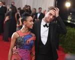 Robert Pattinson lùi ngày cưới?