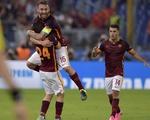 AS Roma 1-1 Barcelona: Hay nhưng không may