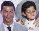 Phim tài liệu về Cristiano Ronaldo tiết lộ quá nhiều thông tin độc