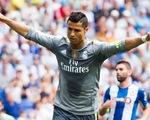 Ấn tượng bóng đá cuối tuần: Nỗi đau Mou, kỷ lục gia Ronaldo